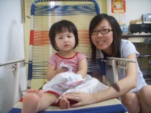 Am I really look like Mummy Moon?! I prettier right? Hehee..